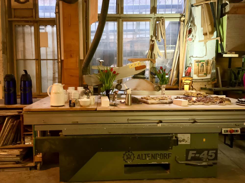 Buffet in der Werkstatt